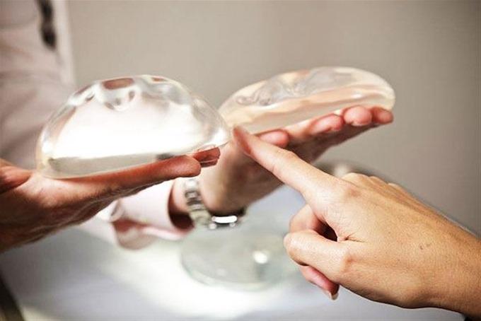 changement implants mammaires